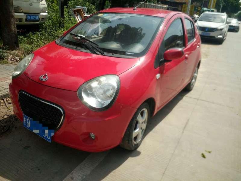 82830熊猫轿车.jpg